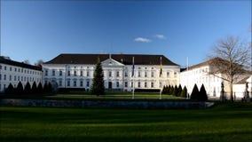 Bellevue-Palastsitz des Bundespräsidenten in Berlin, Deutschland stock video