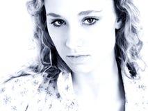 Belleza adolescente en tonos azules fotos de archivo libres de regalías