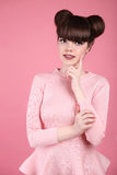 Belleza adolescente hairstyle Modelo del adolescente de la moda Smilin feliz fotografía de archivo