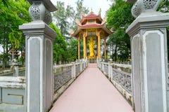 Belleza arquitectónica del templo antiguo en el campo Fotografía de archivo libre de regalías