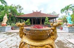 Belleza arquitectónica del templo antiguo en el campo Imagenes de archivo