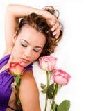 Belleza con las rosas - aisladas imagen de archivo