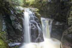 Belleza de la cascada Imágenes de archivo libres de regalías