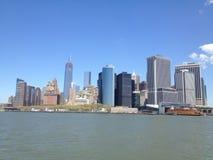 Belleza de New York City vía el transbordador imagen de archivo libre de regalías