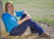 Belleza en azul en la granja Imagenes de archivo