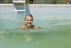 Belleza en la piscina Imágenes de archivo libres de regalías