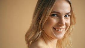 Belleza femenina almacen de metraje de vídeo