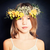 Belleza joven apacible Retrato de la moda de la muchacha del verano Fotos de archivo libres de regalías
