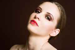 Belleza tirada de brunette elegante. Fotografía de archivo