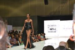 Belleza 2015 y desfile de moda de BET Experience foto de archivo