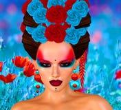 Bellezza asiatica della donna, primo piano del fronte, trucco, cigli ed arte dell'acconciatura con fondo variopinto Immagini Stock Libere da Diritti