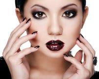 Bellezza asiatica in un forte trucco Fotografie Stock Libere da Diritti