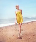 Bellezza bionda sorridente Fotografia Stock