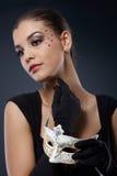 Bellezza che posa con la maschera di carnevale Fotografia Stock