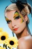 Bellezza con fronte-arte della farfalla Immagini Stock Libere da Diritti