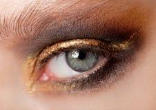 Bellezza del primo piano dell'occhio con trucco creativo fotografie stock libere da diritti