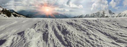 Bellezza delle montagne di inverno Immagini Stock