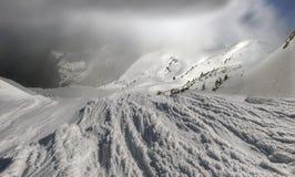 Bellezza delle montagne di inverno Immagine Stock