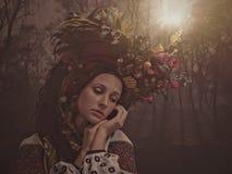 Bellezza di Ethno Bella giovane donna Fotografia Stock Libera da Diritti