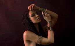 Bellezza di modo e capelli alla moda Trucco Bella donna sexy W Fotografia Stock