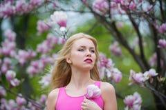 Bellezza, giovent? e freschezza in primavera, pasqua immagine stock