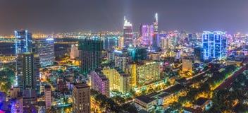 Bellezza impressionante Saigon di panorama di notte fotografia stock