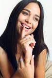 Bellezza naturale, giovane donna con pelle d'ardore sana Immagine Stock