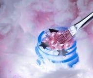 bellezza rosa di supplemento di salute delle gocce di acqua della crema della spazzola dell'artista della nuvola che dipinge la p Immagine Stock