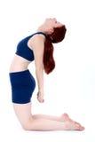 Bello adolescente nella posa di yoga immagini stock