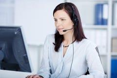 Bello agente della call center immagini stock libere da diritti