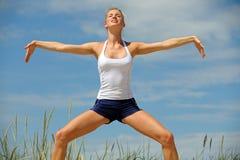 Bello allenamento femminile Immagini Stock Libere da Diritti