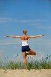 Bello allenamento femminile Fotografie Stock Libere da Diritti