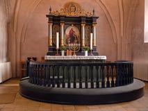 Bello altare decorato della chiesa Immagini Stock Libere da Diritti