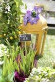 Bello angolo di un mercato del fiore della via Immagini Stock