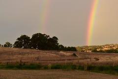 Bello arcobaleno in un paesaggio del deserto fotografia stock libera da diritti