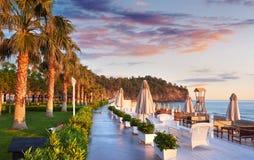 Bello argine per la camminata e lo sport in Amara Dolce Vita Luxury Hotel Alanya Turchia immagini stock libere da diritti