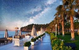 Bello argine per la camminata e lo sport in Amara Dolce Vita Luxury Hotel Alanya Turchia fotografia stock libera da diritti