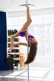 Bello ballerino del palo Fotografie Stock
