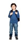 Bello bambino dell'allievo con lo zaino pesante Fotografia Stock Libera da Diritti