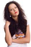 Bello brunette sexy con capelli ricci isolati immagini stock