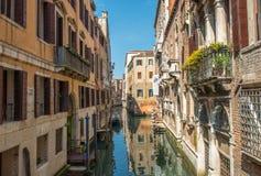 Bello canale di Venezia Case di Venezia, Italia Fotografia Stock Libera da Diritti