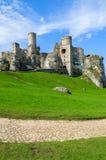 Bello castello in Ogrodzieniec vicino a Cracovia in primavera, Polonia Fotografia Stock