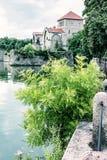 Bello castello in Tata, Ungheria, filtro blu immagine stock libera da diritti