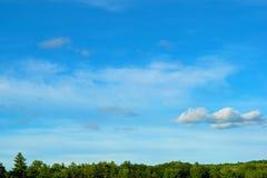 Bello cielo blu fotografie stock