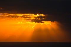 Bello cielo Ray di sera Fotografie Stock Libere da Diritti