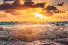Bello cloudscape sopra il mare caraibico Fotografia Stock