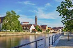Bello colpo della chiesa e del castello di Landshut Immagine Stock