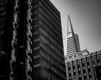 Bello colpo urbano di architettura in bianco e nero fotografie stock