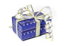 Bello contenitore di regalo blu con gli archi Fotografia Stock Libera da Diritti
