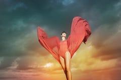 Bello dancing della donna Fotografie Stock Libere da Diritti